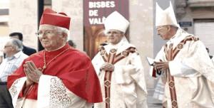 El nuevo arzobispo, el cardenal Cañizares, junto al anterior (Foto: AVAN)