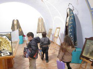 Visita dels xiquets al museu de la Cort de Maria